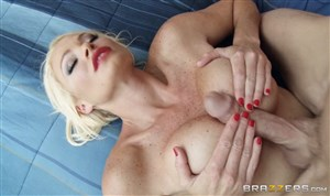 Penetrated and jizzed on blonde