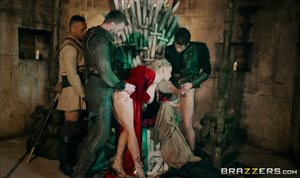 Group sex with the queen