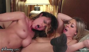 2 lesbians moan at the same time
