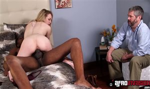 Sean Michaels nagelt blonde Hausfrau Angel Smalls