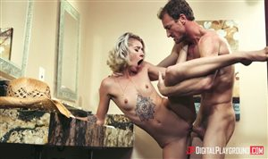 Arya Fae is moaning in the restroom
